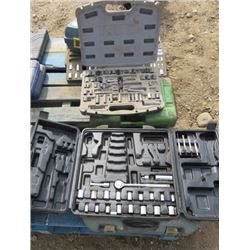 LOT OF ASSORTED SOCKETS