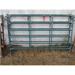 LOT OF TWO LIVESTOCK PANELS - 7 1/2'X5' (GREEN)