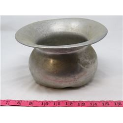 "METAL SPITTOON (9.5"" X 8.5"" DIAMETER)"