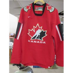TEAM CANADA HOCKEY JERSEY (MEN'S SIZE LARGE) *NIKE*