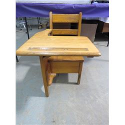 """SMALL DESK ( WOOD WITH DRAWER) *26"""" X 25.5"""" X 18""""* (VINTAGE)"""