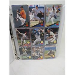 LOT OF 219 BASEBALL CARDS (IN BINDER)