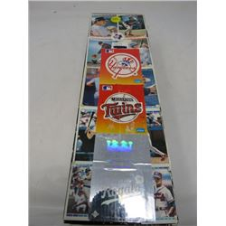 BOX OF BASEBALL CARDS