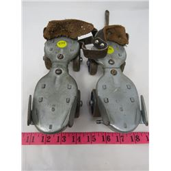 METAL ANTIQUE ROLLER SKATES (DOMINION)