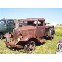1935 INTERNATIONAL TRUCK- ¾ TON TRUCK-