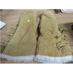 GLOVES WITH SHEEP WOOL INSIDES