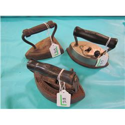LOT OF 3 CAST IRONS
