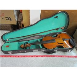 VIOLIN AND CASE WITH BOW