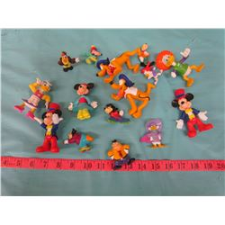 ASSORTED FIGURINES AND PLUSHIES (MICKEY MOUSE & WINNIE THE POOH CHARACTERS)