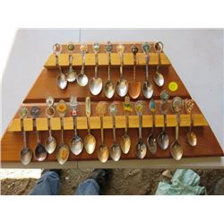 RACK WITH SPOONS