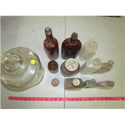 LOT OF 12 GLASS ITEMS (JUG, BOTTLES)
