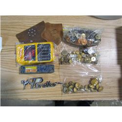 LOT OF TOY GUNS, BUTTONS, TOYS, ETC