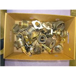 LARGE LOT OF LAMP PARTS INCLUDING BURNERS