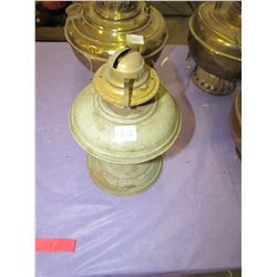LOT OF 4 BRASS LAMPS (NOT COMPLETE)