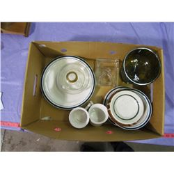 LOT OF CAFE DISHES, LAMP, VASE