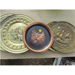 LOT OF 4 BRASS PLATES AND 2 COPPER PLATES