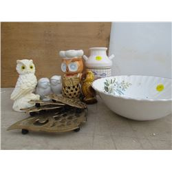 LOT OF ASSORTED OWL ITEMS, BOWL & SMALL MILK JUG