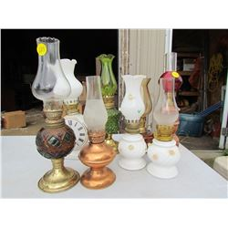 LOT OF 8 SMALL LAMPS