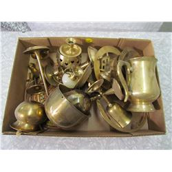 LOT OF ASSORTED BRASS ITEMS