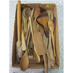 LOT OF WOODEN SPOONS