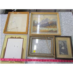 LOT OF PICTURES & FRAMES (ASSORTED, 1 HAS CRACKED GLASS)