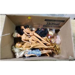 LOT OF BARBIES (16 TOTAL)