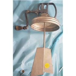 BUTTER CHURN LID AND PADDLE
