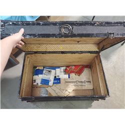STEAMER TRUNK WITH TRAY- EATONIA (34 X 19 X 21)