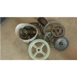 Lot of Pulley