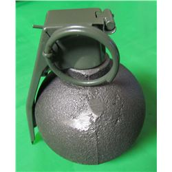 ONE BASEBALL TYPE DISPLAY GRENADE (FULL SIZE NOVELTY GRENADE) *GREAT FOR MILITARY COLLECTORS OR MAN