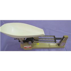 TRIPLE BEAM BALANCE SCALE (OHAUS) *2610 GRAMS*