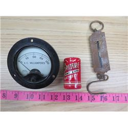 LOT OF ASSORTED ITEMS INCLUDING A VINTAGE METER, GAUGE & BATTERY