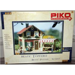 PIKO G GAUGE BETTY'S POTTERY BUILDING KIT.