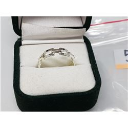 SILVER RING SIZE 7 (MSRP $40)