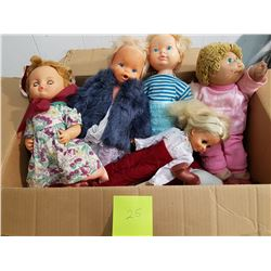 LOT OF ASSORTED DOLLS (1 CABBAGE PATCH DOLL)