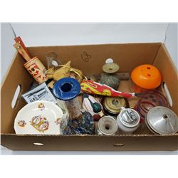 LOT OF ASSORTED COLLECTIBLES (ROYALTY PLATE, VASE, ETC.)