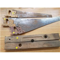 LOT OF 2 LEVELS AND 3 HAND SAWS