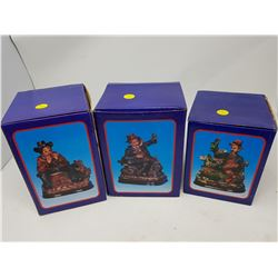 "LOT OF 3 FIGURINES (1 BOX IS 5.5"" X 6.5"", 2 BOXES 5.5"" X 7"")"