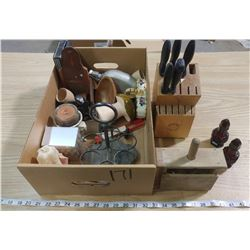 LOT OF COLLECTIBLES (BUTTER PRESS, STARFRIT KNIFE BLOCK, ETC.)