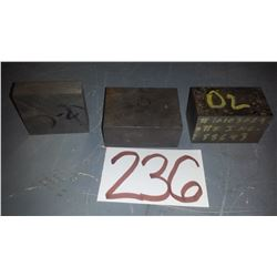 Lot Stainless Bloc D-2