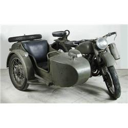 1939 RUSSIAN V-TWIN M72 MOTORCYCLE W/ SIDECAR