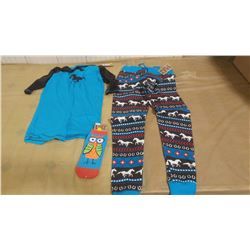 SMALL PJ SET AND PAIR OF SOCKS