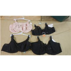 LOT OF FOUR BRAS, ASSORTED SIZES