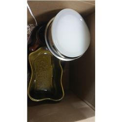 BOX OF ASSORTED ITEMS - BOWLS, TRAYS, ICE BUCKET, ETC.