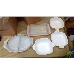 LOT OF CORNING WARE & PYREX DISHES