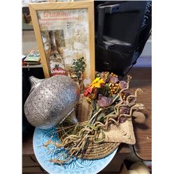 LOT OF HOME DÉCOR, HANGING DECORATION, TABLE DÉCOR AND WALL ART