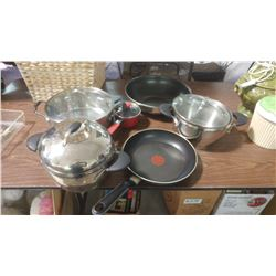 LOT OF ASSORTED POTS AND PANS