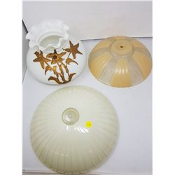 lot of glass lampshades (3)