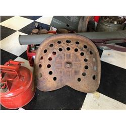 NO RESERVE TWO VINTAGE TRACTOR SEATS SELLING AS ONE LOT