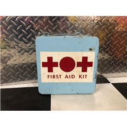 NO RESERVE VINTAGE FIRST AID KIT